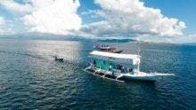 """Apa Keuntungan Berwisata Laut dengan """"Live on Board""""?"""